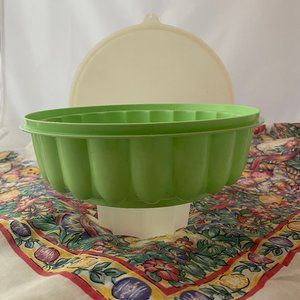 Tupperware Jello Mold 3-Piece Green Nice